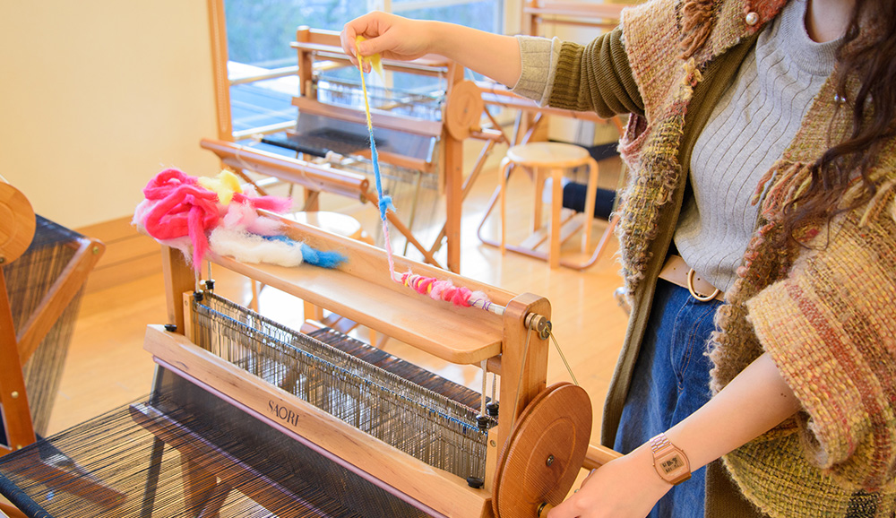 ワインダーで紡いで、糸にすることができます。