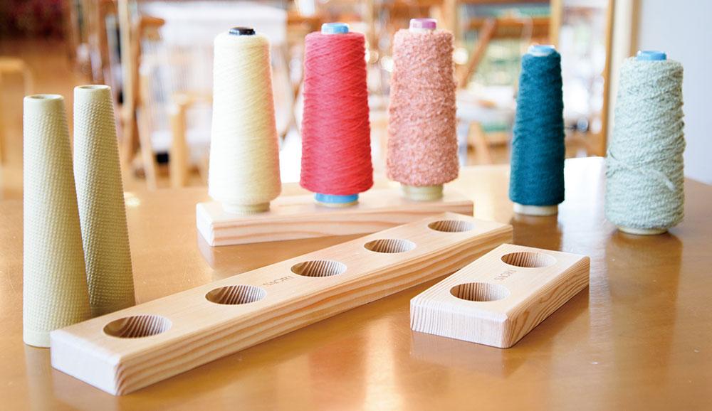 耐熱120度なので、スピンドルで紡いだ糸や、撚った糸の撚り止めもできます。