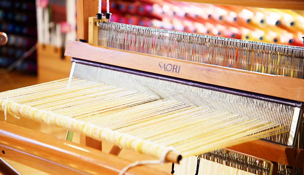 カラーのタテ糸ローラー巻き
